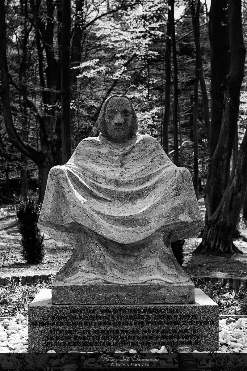 pomniki_1_20120829_1945190917