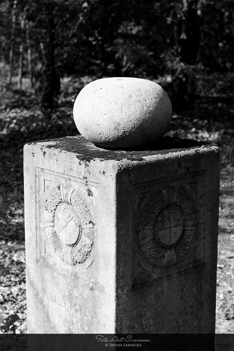 pomniki_2_20120829_1943422861